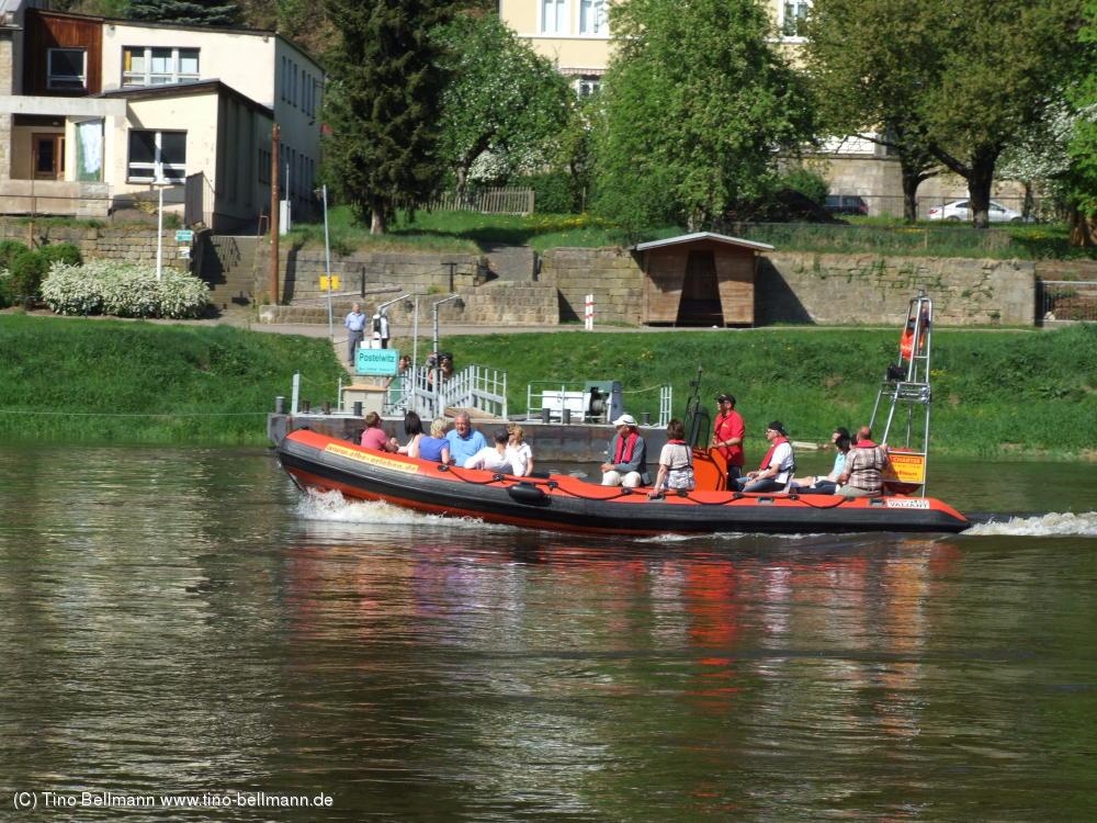 www.elbe-erleben.de - Mit so nem Schlauchboot macht´s auf der Elbe auch sicher Spaß