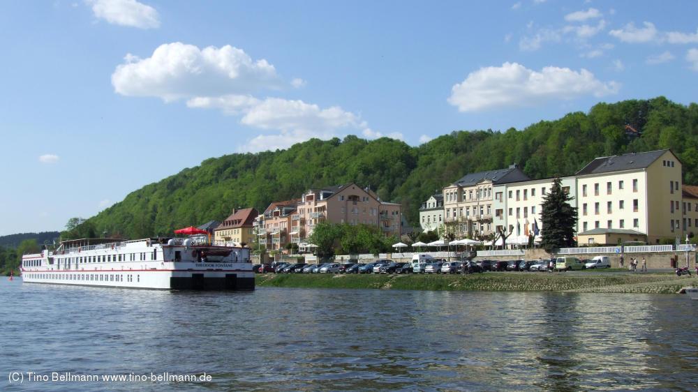 Die Theodor Fontane liegt am 1. Mai in Bad Schandau