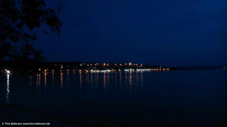 Insel Krk - Der Hafen von Njivice am Abend